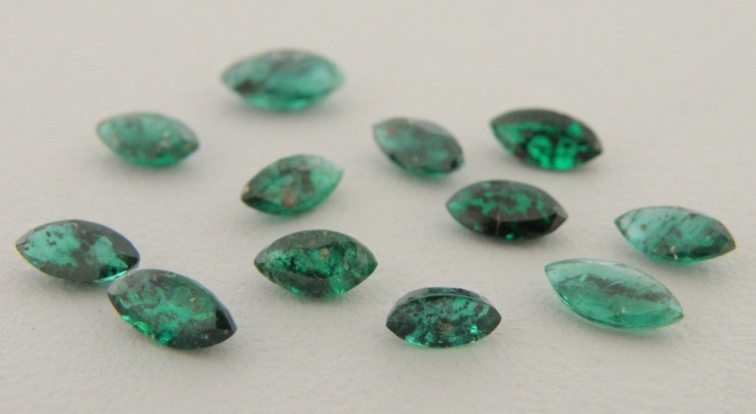 LOT NATURAL OVAL CUT GREEN EMERALDS 5.07ct MARQUISE CUT