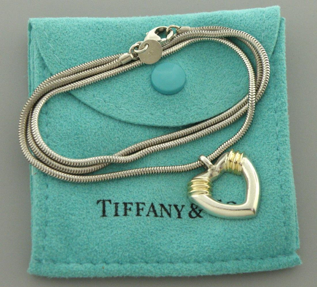 TIFFANY & Co. 18K STERLING SILVER HEART NECKLACE POUCH