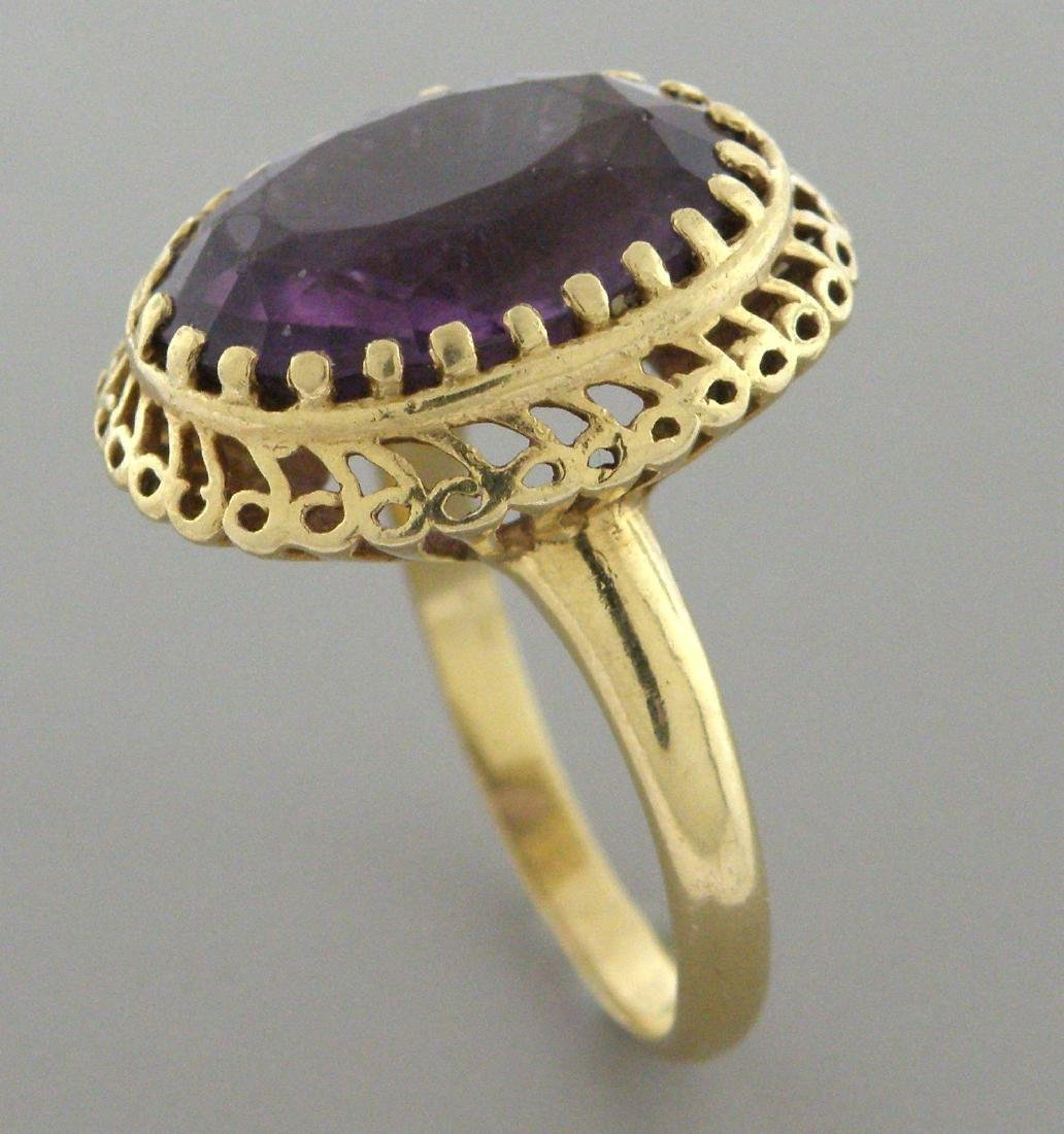 VINTAGE 14K YELLOW GOLD LARGE OVAL LADIES AMETHYST RING