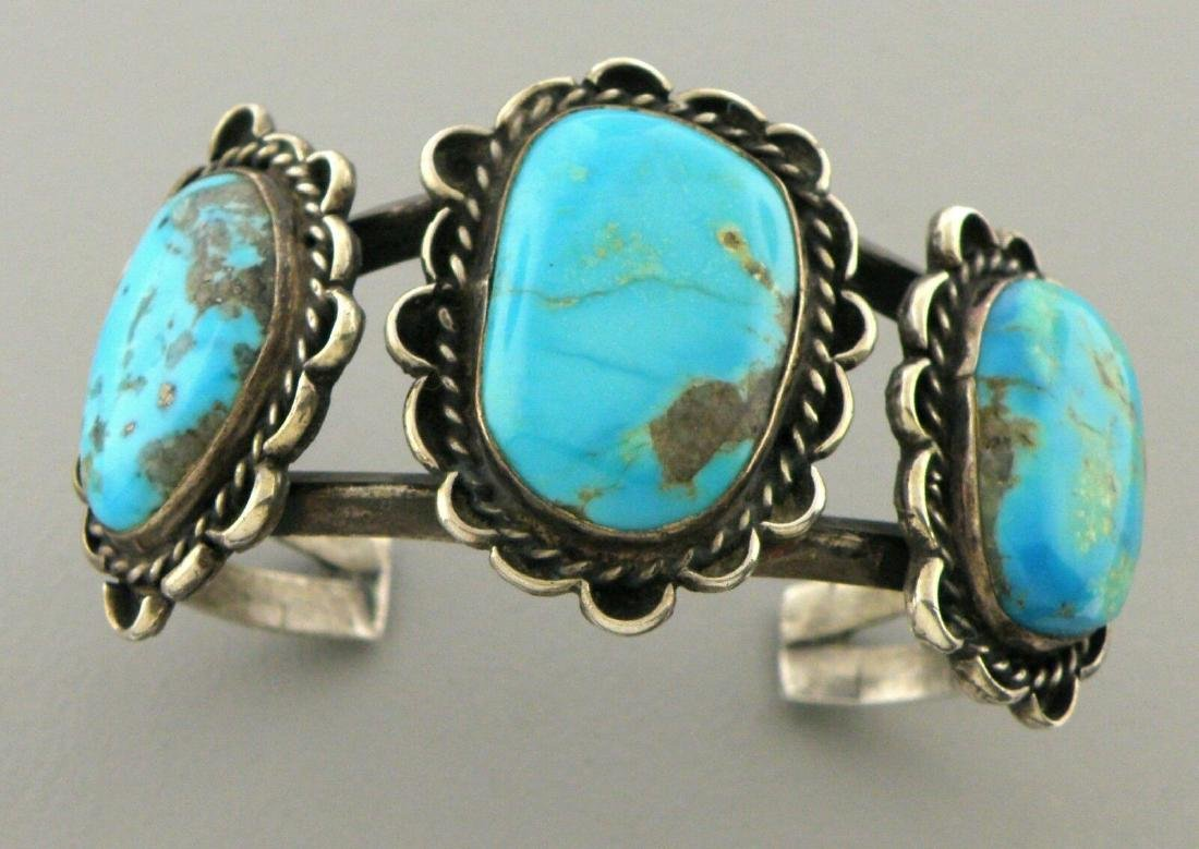 VINTAGE BEAUTIFUL NAVAJO STERLING SILVER TURQUOISE CUFF