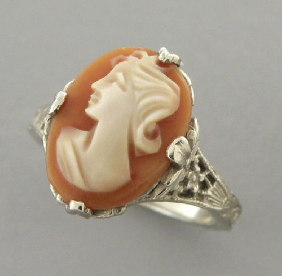 VINTAGE 14K WHITE GOLD CAMEO LADIES COCKTAIL RING
