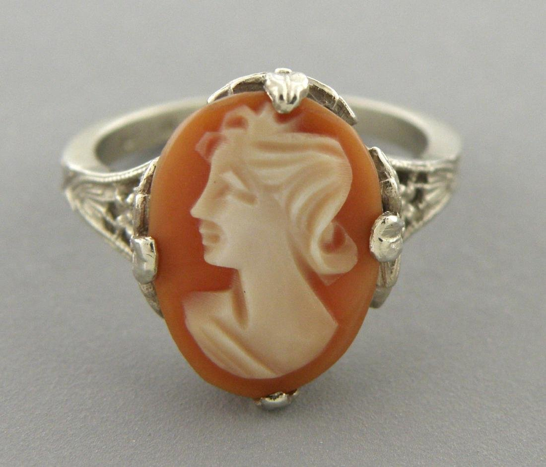 VINTAGE 14K WHITE GOLD CAMEO LADIES COCKTAIL RING - 2