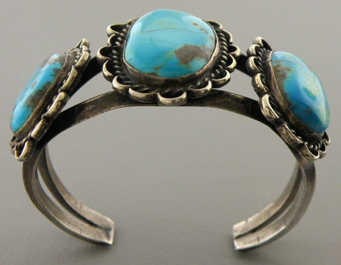 VINTAGE BEAUTIFUL NAVAJO STERLING SILVER TURQUOISE CUFF - 2