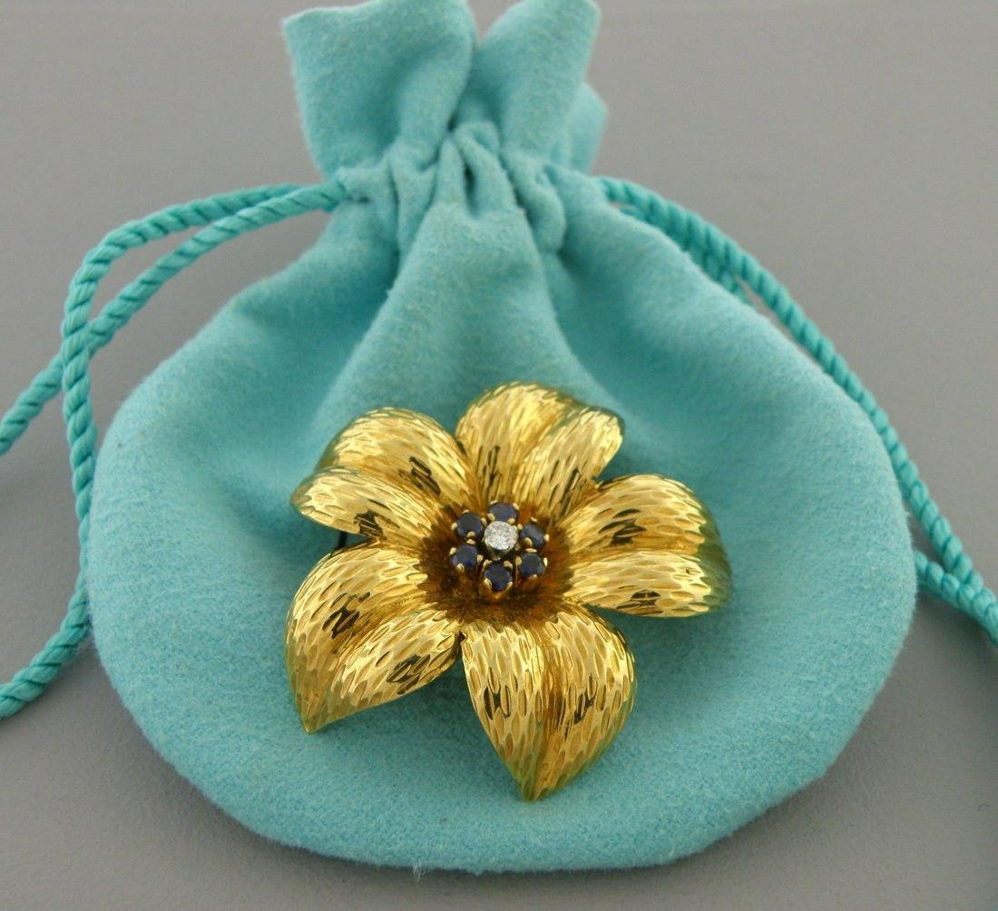 TIFFANY & Co. 18K GOLD DIAMOND SAPPHIRE FLOWER BROOCH