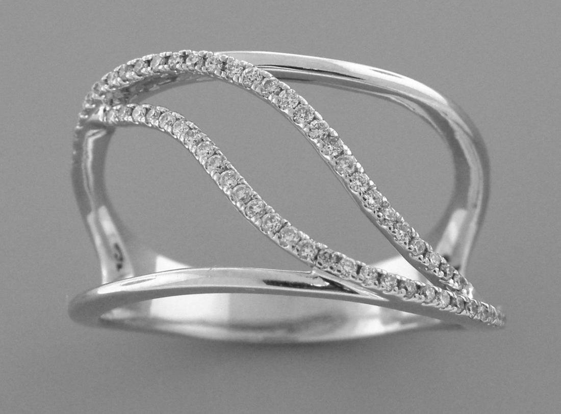 14K WHITE GOLD DIAMOND WIDE CURVED LADIES RING SZE 9.25