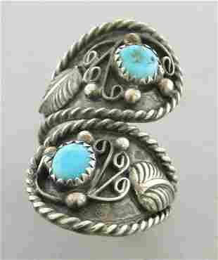VINTAGE NAVAJO STERLING SILVER TURQUOISE CROSSOVER RING