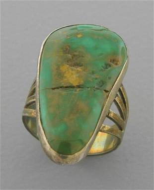 VINTAGE BEAUTIFUL STERLING SILVER LARGE TURQUOISE RING