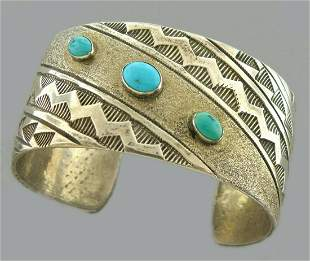 VINTAGE BEAUTIFUL SOUTHWESTERN STERLING TURQUOISE CUFF