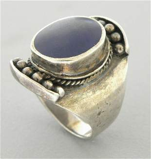 VINTAGE BEAUTIFUL STERLING SILVER OVAL LAPIS RING