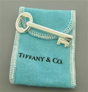 VINTAGE TIFFANY & CO. STERLING SILVER KEY PIN BROOCH