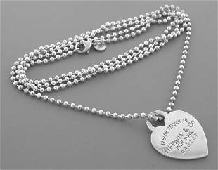 TIFFANY & CO. STERLING SILVER RETURN TO. HEART NECKLACE