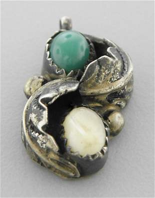 VINTAGE NAVAJO STERLING SILVER TURQUOISE PENDANT
