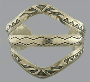 VINTAGE STERLING SILVER LADIES CARVED CUFF BANGLE