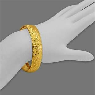 14K YELLOW GOLD DIAMOND CUT BANGLE BRACELET 15mm FLOWER