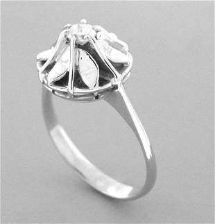 VINTAGE 14K WHITE GOLD LADIES SOLITAIRE FLOWER RING