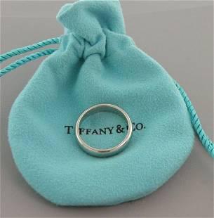 TIFFANY & CO. PLATINUM 4.5mm WEDDING BAND RING SIZE 8