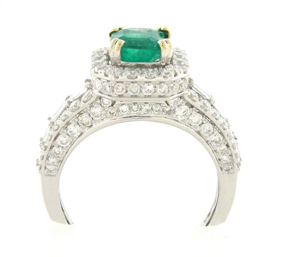 NEW 18K WHITE GOLD DIAMOND & EMERALD RING