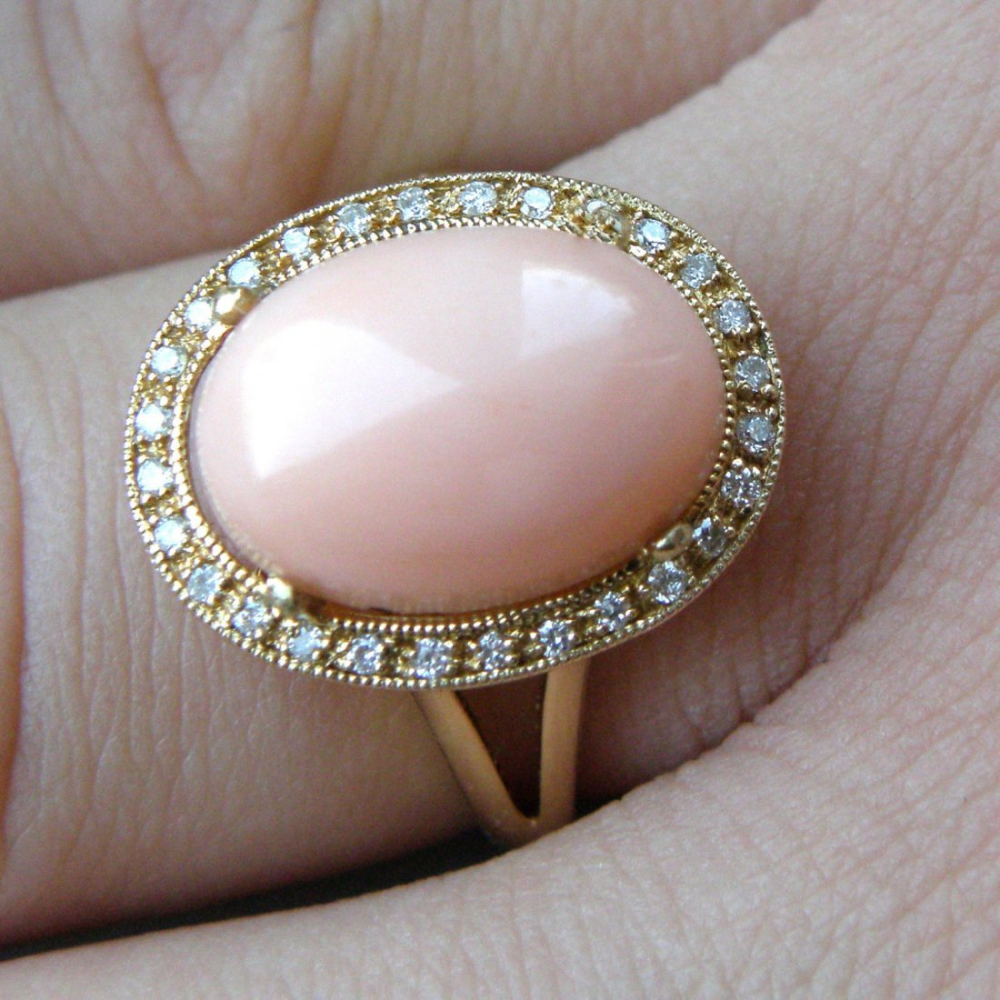 NEW 18K Y/ GOLD UNTREATED PINK SEA CORAL DIAMOND RING