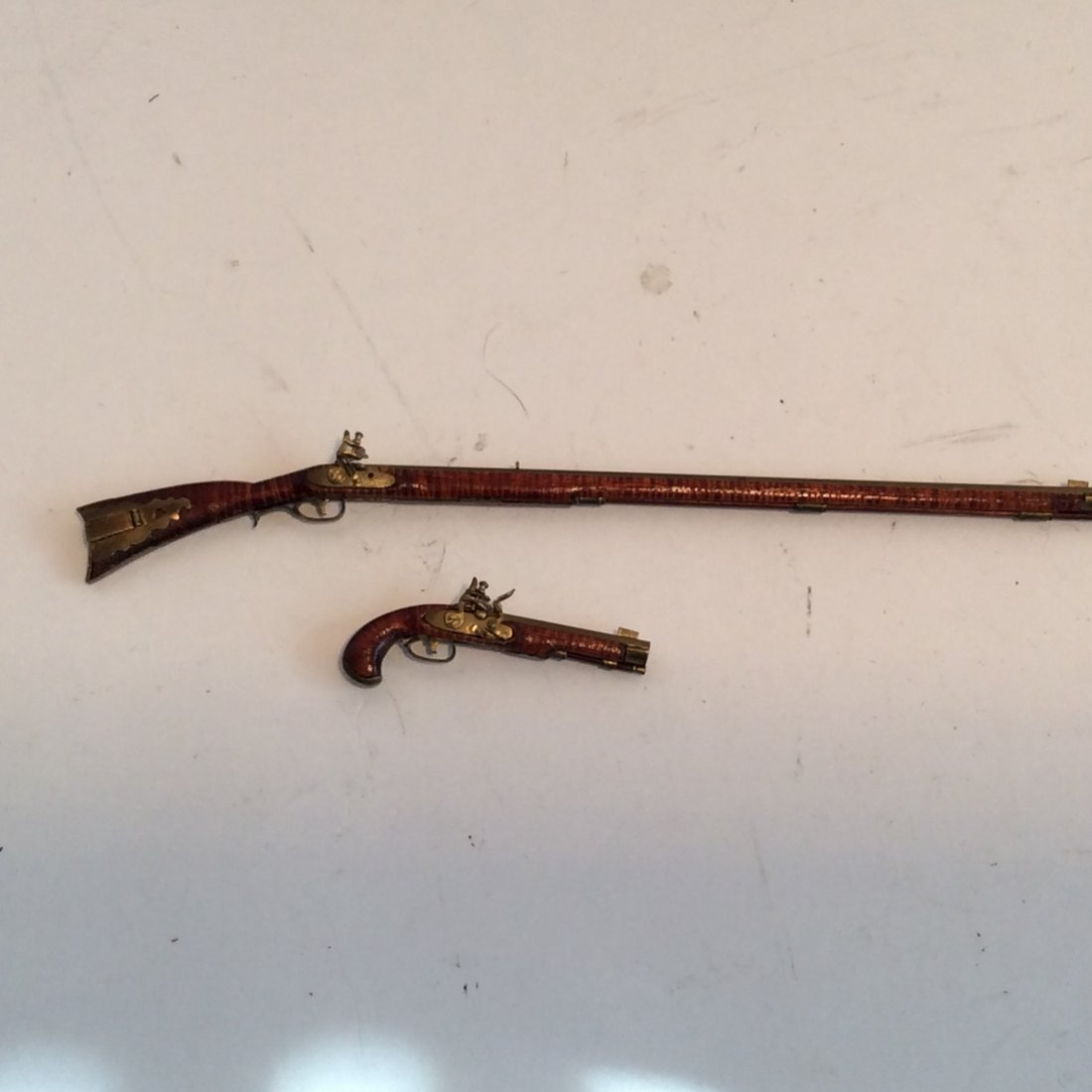 2 Model Guns Kentucky Long Rifle and Pistol 2/12