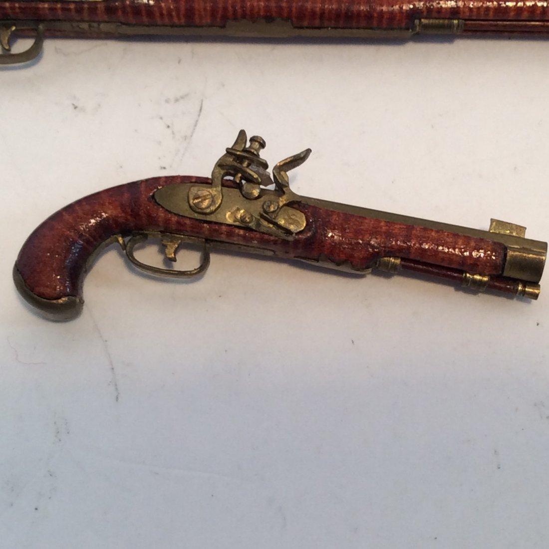 2 Model Guns Kentucky Long Rifle and Pistol 2/12 - 2