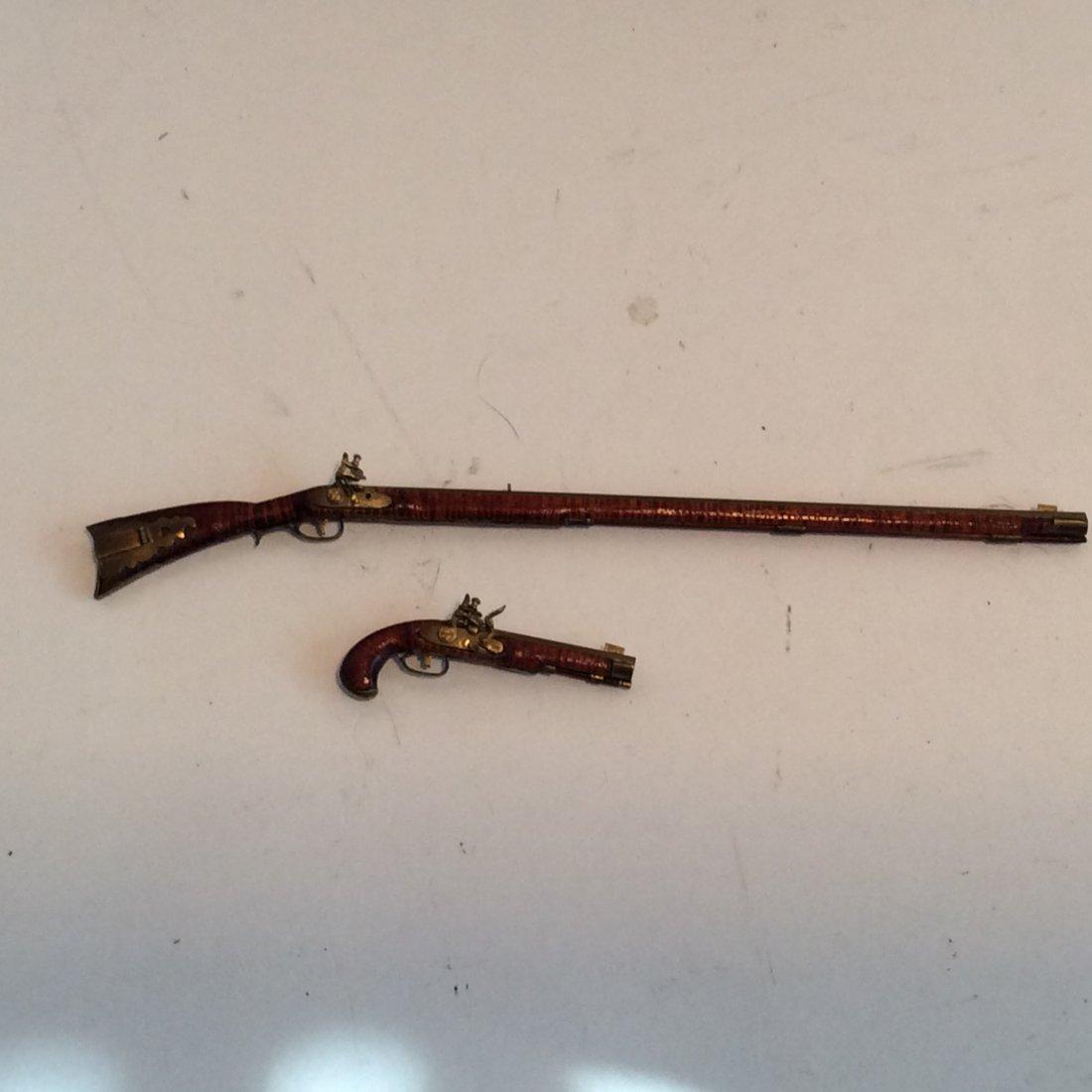 2 Model Guns Kentucky Long Rifle and Pistol 2/12 - 4