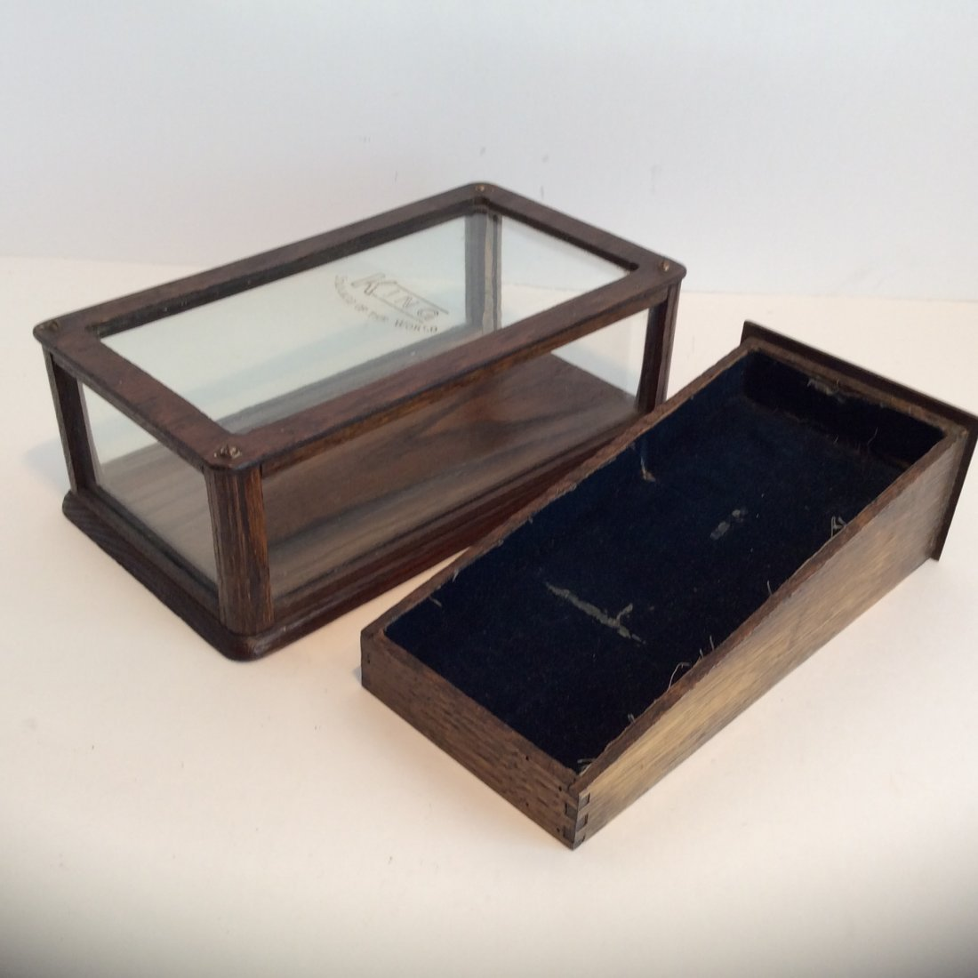 Antique King  stand of the world  display case 1880 - 2