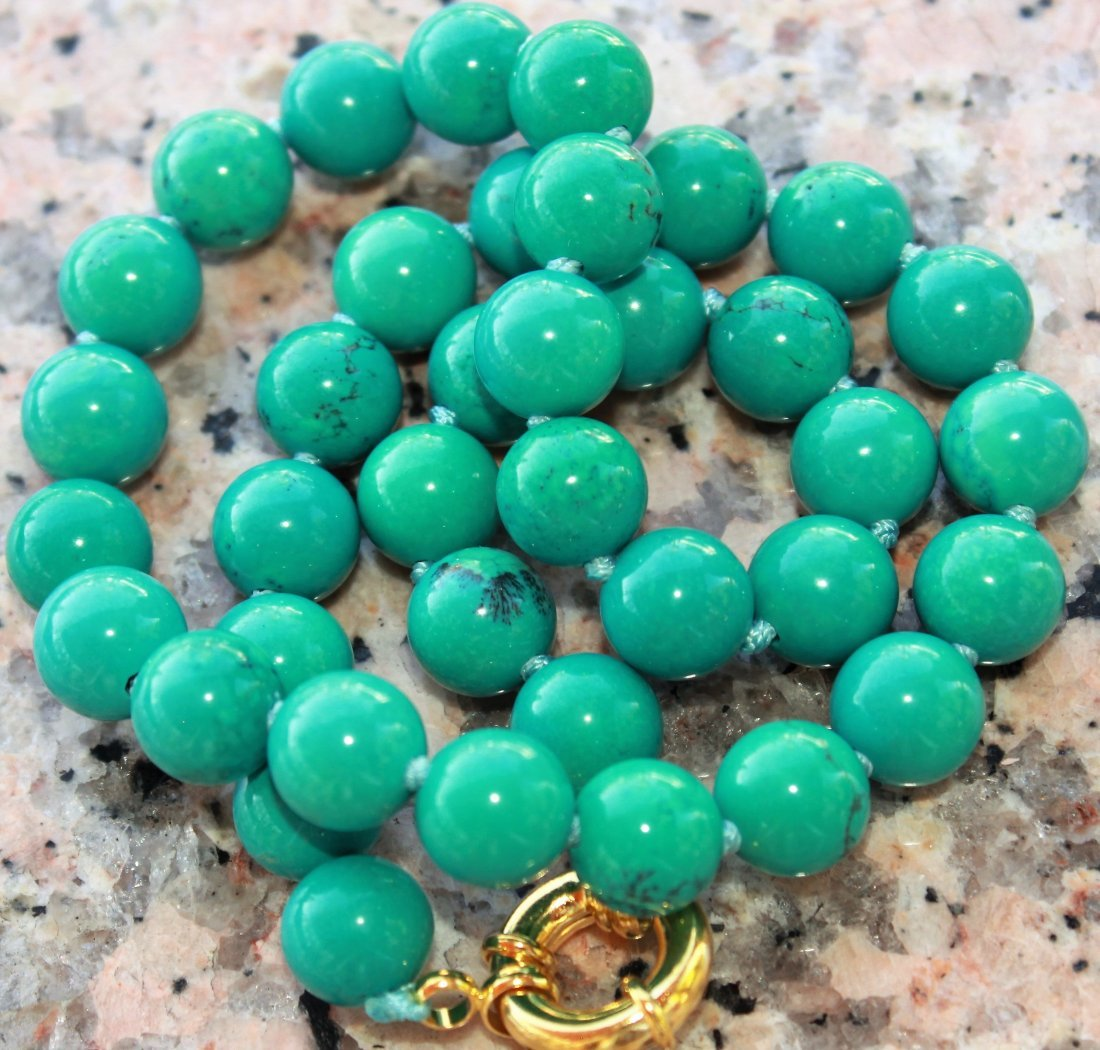 """Beautiful 10mm round turquoise  necklace 18"""""""