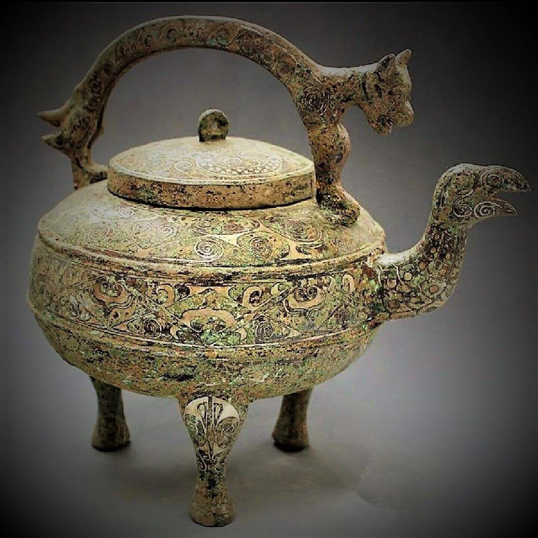 Ancient Chinese bronze coppering.as silver dragon girde