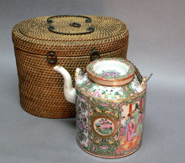 706: Chinese Export Rose Medallion Teapot