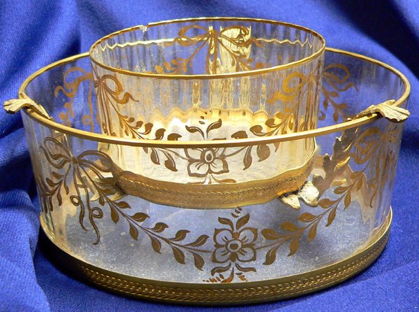 1026: A CAVIAR BOWL, with gilded decoration and m