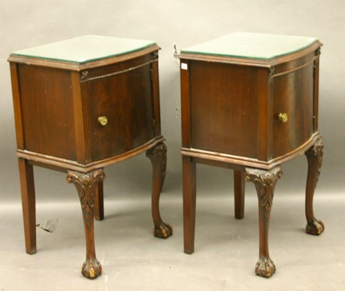 616: Pair of Mahogany Bedside Cabinets
