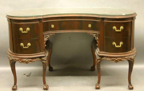 620: Mahogany Ladies Desk, Kidney Form