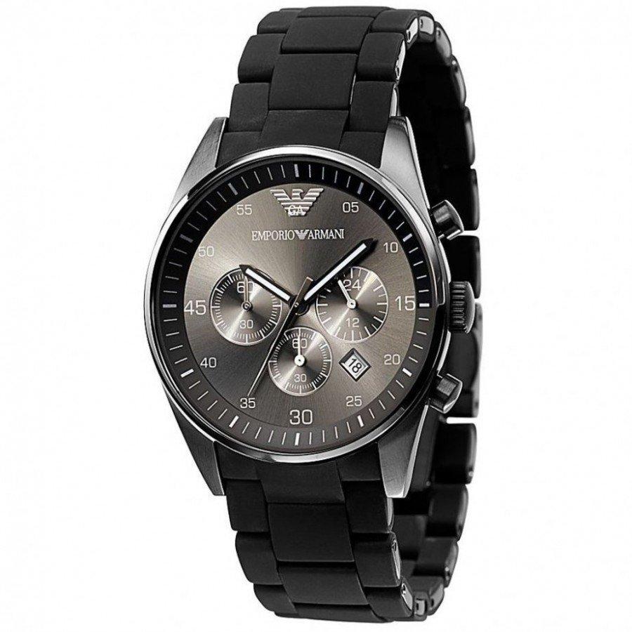 Дарила эти часы своему парню, причем он ни в какую не хотел.