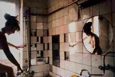 Nan Goldin - Käthe in the tub, West Berlin
