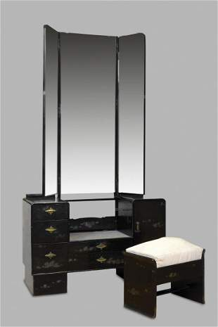 Japanese dressing table in black lacquered wood, early