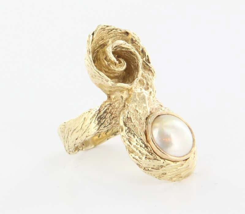 Vintage 14k Yellow Gold Mabe Pearl Cocktail Ring Fine