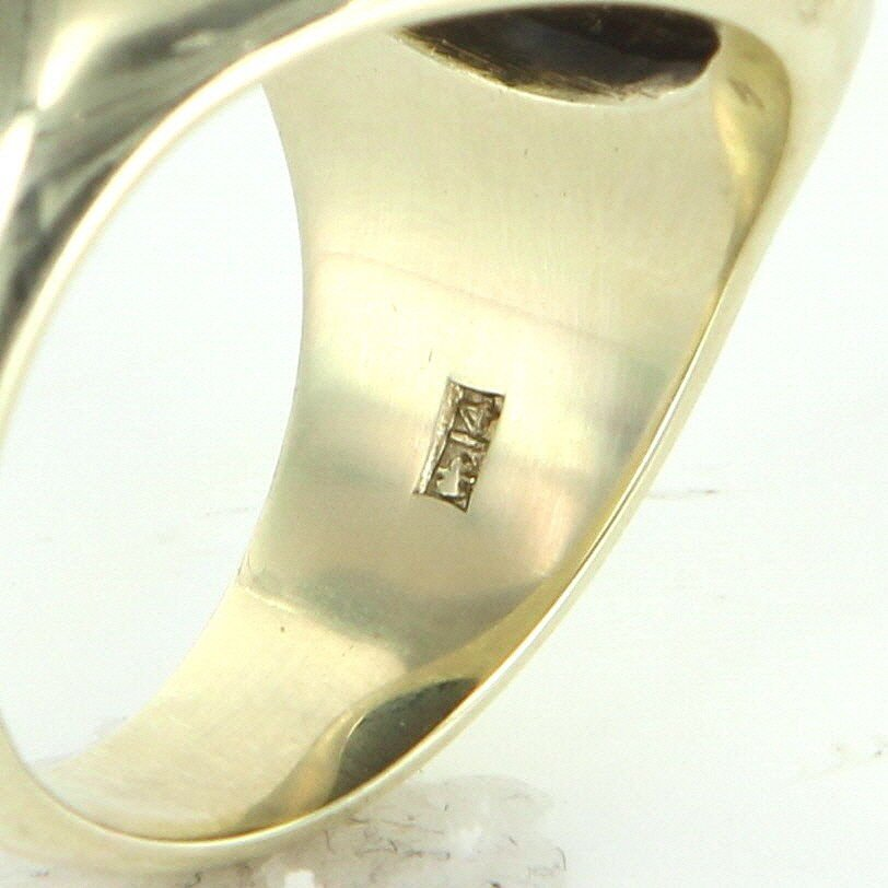 Mens Vintage Family Crest Oval Ring 14k Yellow Gold - 7