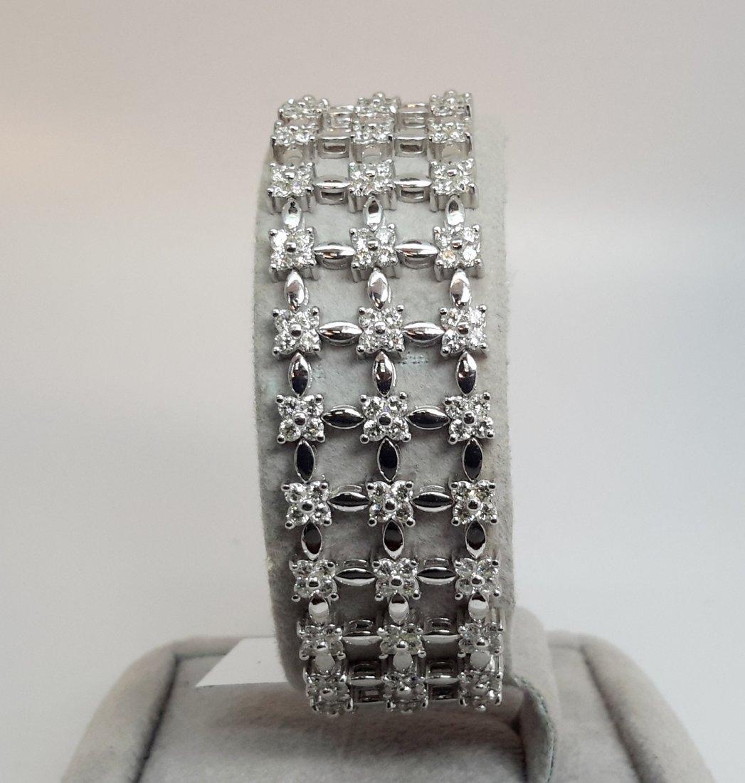 18K W/G 3Row, 7.90ct natural Diamond Flower Bracelet