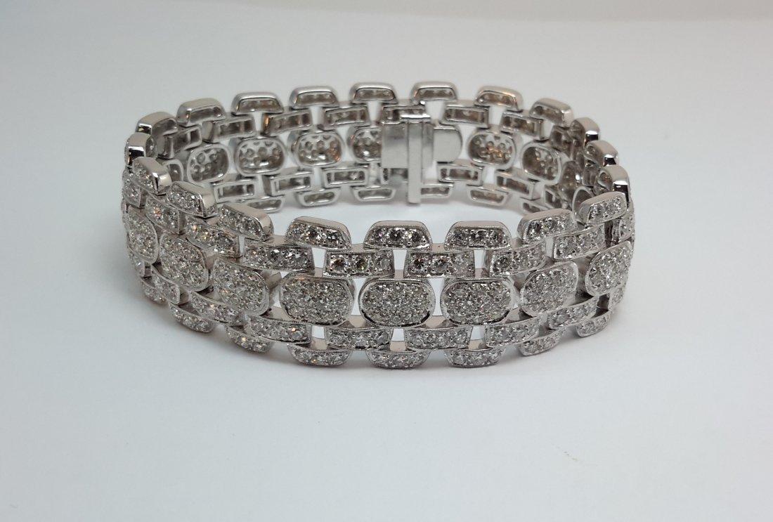 18k w/g Diamond Bracelet with over 13 ct of diamond F-G