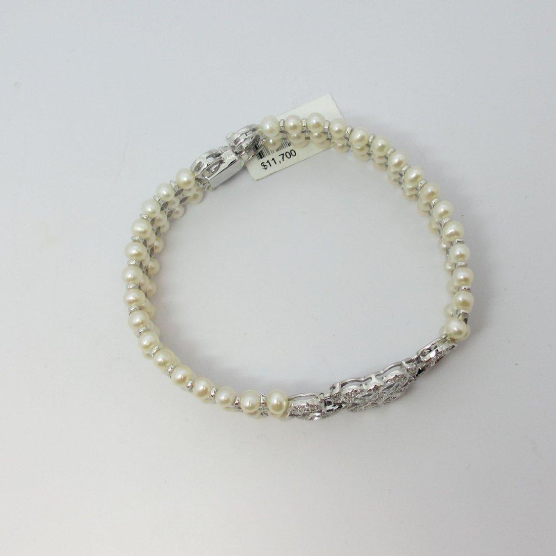 18k w/g Diamond/3Row Pearl Bracelet Traditional,