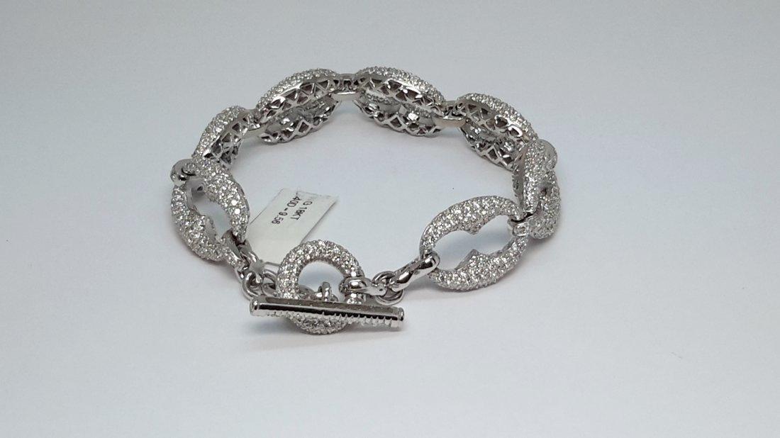 18k w/g beautiful Italian/ pave Diamond Link Bracelet