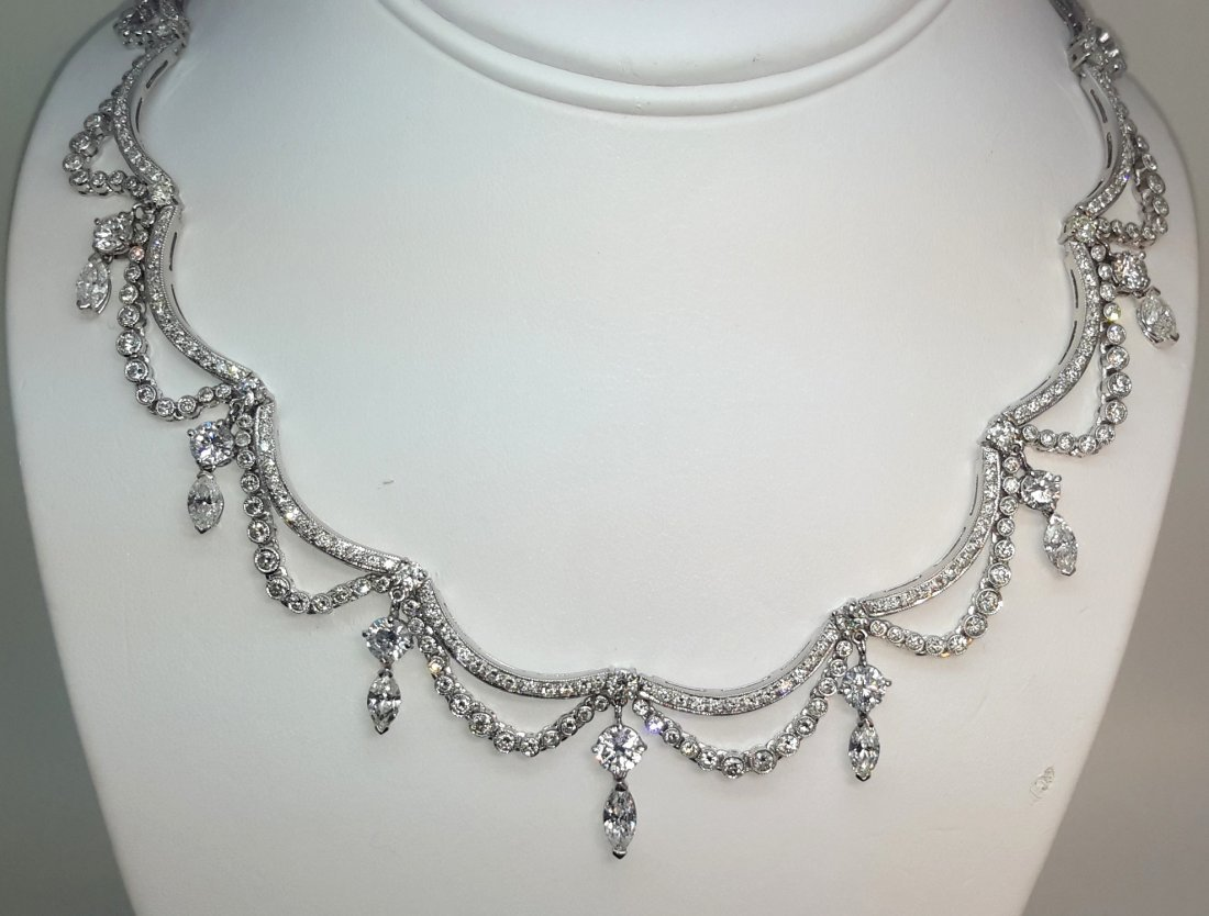 18K White Gold Natural Diamond Necklace, This unique,