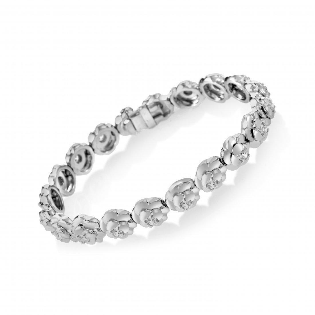 Chanel Camélia 18K White Gold Diamond Bracelet AK1B764