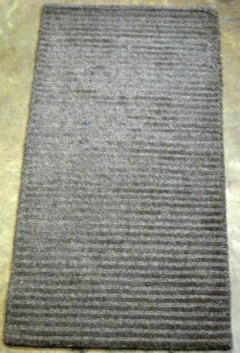 NICE SOLID COLOR HAND TUFTED RUG