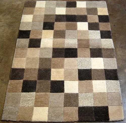 BEIGE TO BROWN FINE QUALITY HAND TUFTED CHECKERED RUG
