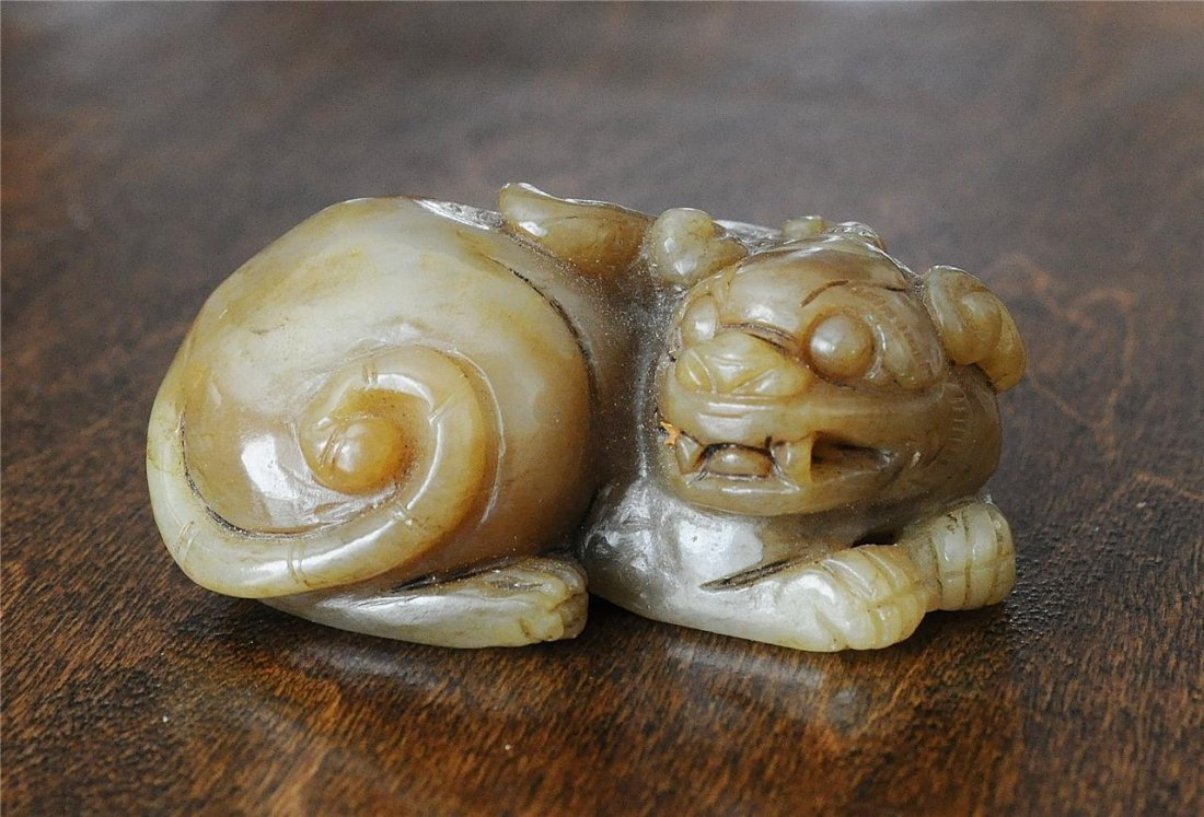 Nice Hand Carved Chinese Jade Table Ornament