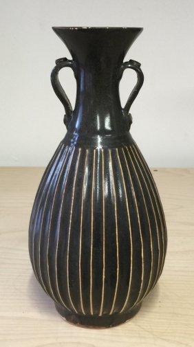 Black Glaze Stripe Vase. Song Thru Ming Period.