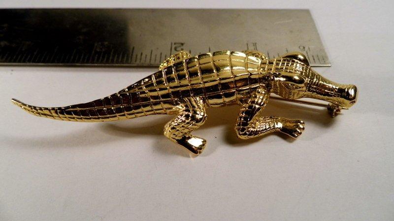 Gold Tone Trifari Alligator Brooch  Like new condition.