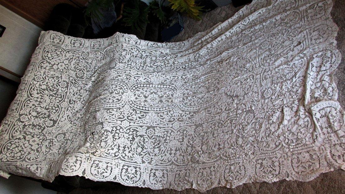Fine Antique Banquet Point de Venise Lace Tablecloth