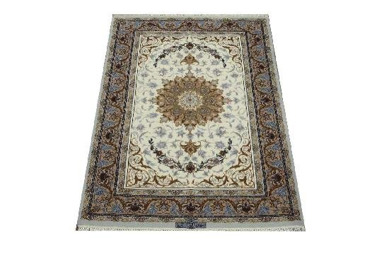 """Persian Rug Isfahan Hand Knotted 5'5"""" X 3'6"""""""